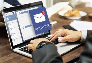Aviso de email en una computadora